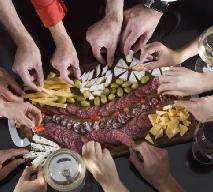 Czy Polacy jedzą za dużo? Co mówią na ten temat wyniki badań?