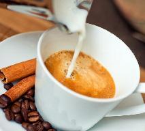 Kawa z cynamonem: jak zrobić? Przepis na rozgrzewającą kawę