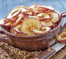 Chipsy jabłkowe: jak suszyć jabłka w piekarniku, na grzejniku i w suszarce?