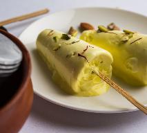 Indyjskie lody kulfi: przepis na orientalny przysmak