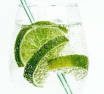 Koktajle na kaca - co pić, aby załagodzić skutki kaca?