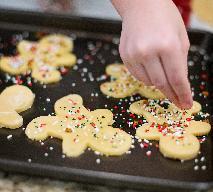 Kruche ciasteczka - pyszne ozdoby na choinkę do samodzielnego przygotowania