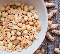 Orzechy arachidowe - jakie mają właściwości? Dlaczego warto je jeść?