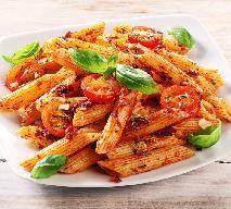 Penne z pomidorami - przepis na smaczne danie z makaronu