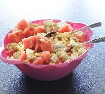 Sałatka z arbuza i sera feta: przepis na pyszną sałatkę