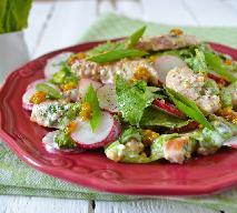 Sałatka z rzodkiewki i kurczaka - zdrowy popołudniowy lunch lub lekka kolacja