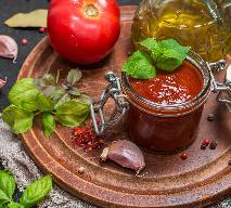 Sos pomidorowy na zimę z pieczarkami i papryką: dobry przepis