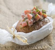 Ziemniaki faszerowane śledziem w oleju z jajkiem i szczypiorkiem!