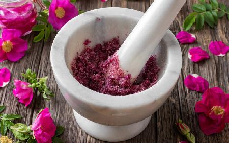 Cukier różany - przepis na cukier z płatków róży