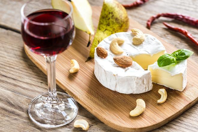 Camembert: ser pleśniowy