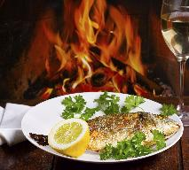 Alkohol do ryby - z jakimi trunkami podawać ryby?