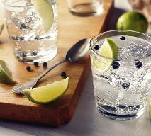 Domowy tonik do picia - jak przygotować domowy syrop do wody z charakterystyczną goryczką