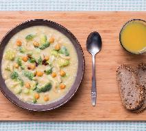 Pikantna zupa brokułowa z ciecierzycą i makaronem