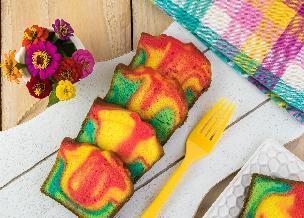 Prosta tęczowa babka na Wielkanoc: sprawdzony przepis na tęczowe ciasto