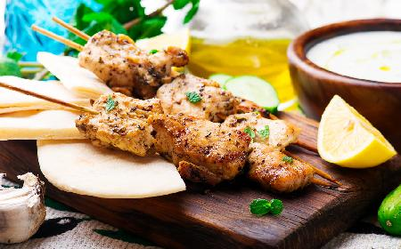 Szaszłyki z piersi kurczaka po indyjsku - dobry przepis
