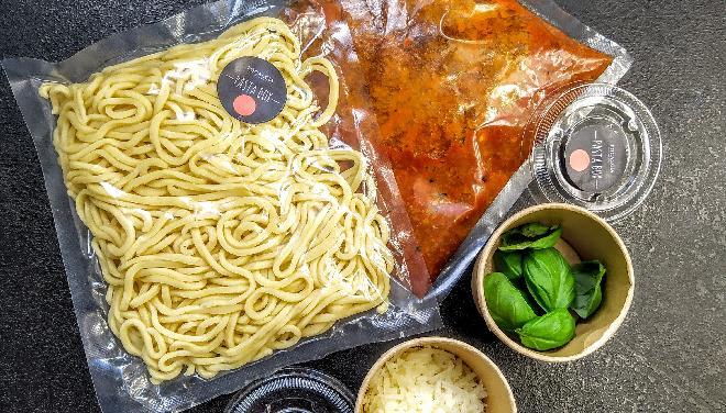 PASTA BOX - spaghetti bolognese