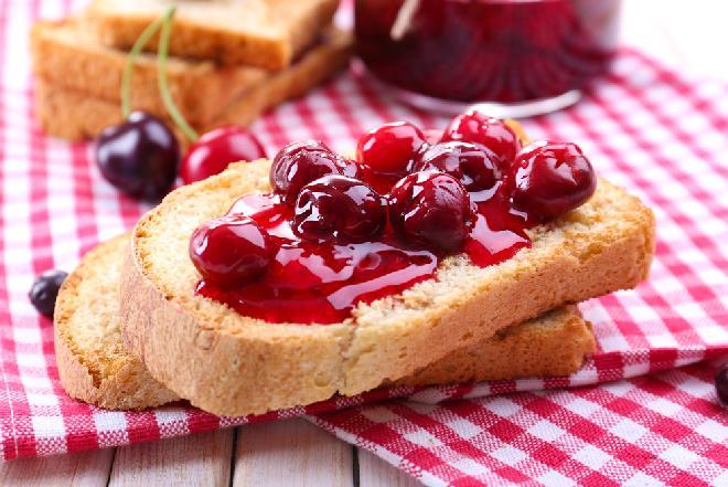 Konfitura z wiśni w galaretce porzeczkowej: przepis