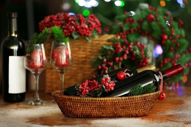 Alkohol na Święta - jakie napoje alkoholowe podać do bożonarodzeniowych dań?