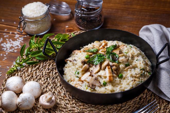 Kurczak z ryżem i parmezanem - prosty i niskokaloryczny obiad